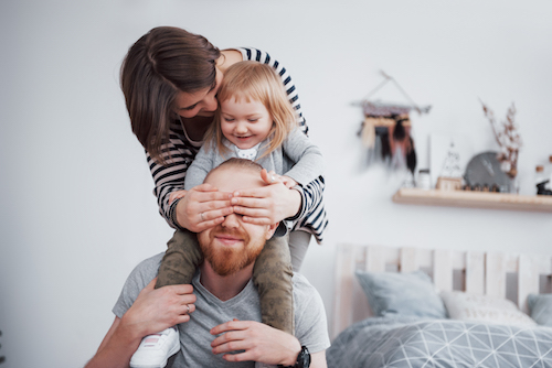 4 idées amusantes pour la fête des pères qui feront sourire papa